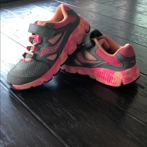 Saucony girls shoes size 12W